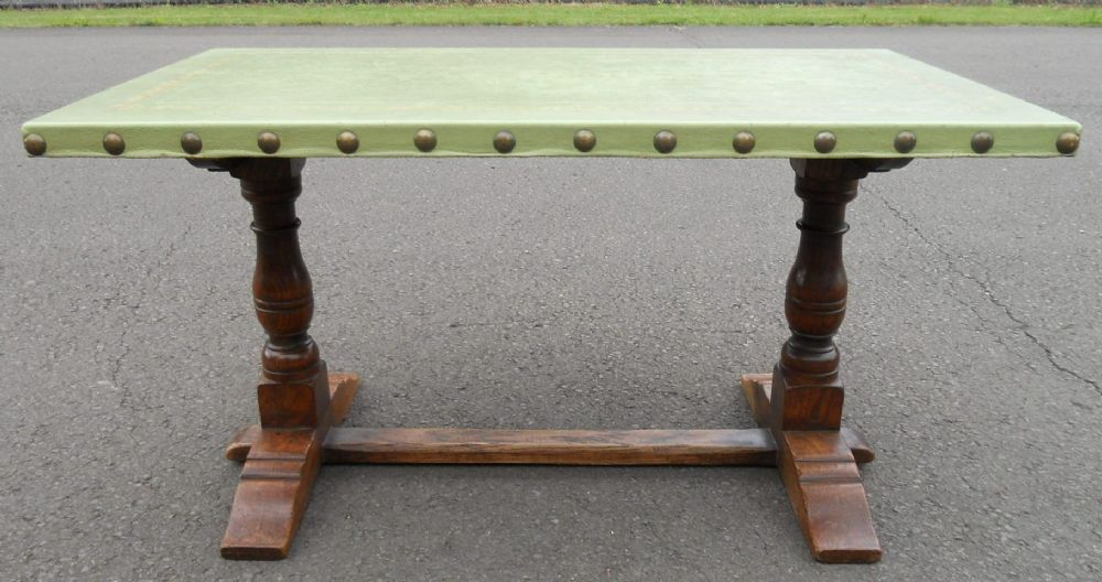 SOLD Leather Top Antique Style Oak Coffee Table by Rackstraw : sold leather top antique style oak coffee table by rackstraw 4525 pekm1000x528ekm from www.harrisonantiquefurniture.co.uk size 1000 x 528 jpeg 88kB